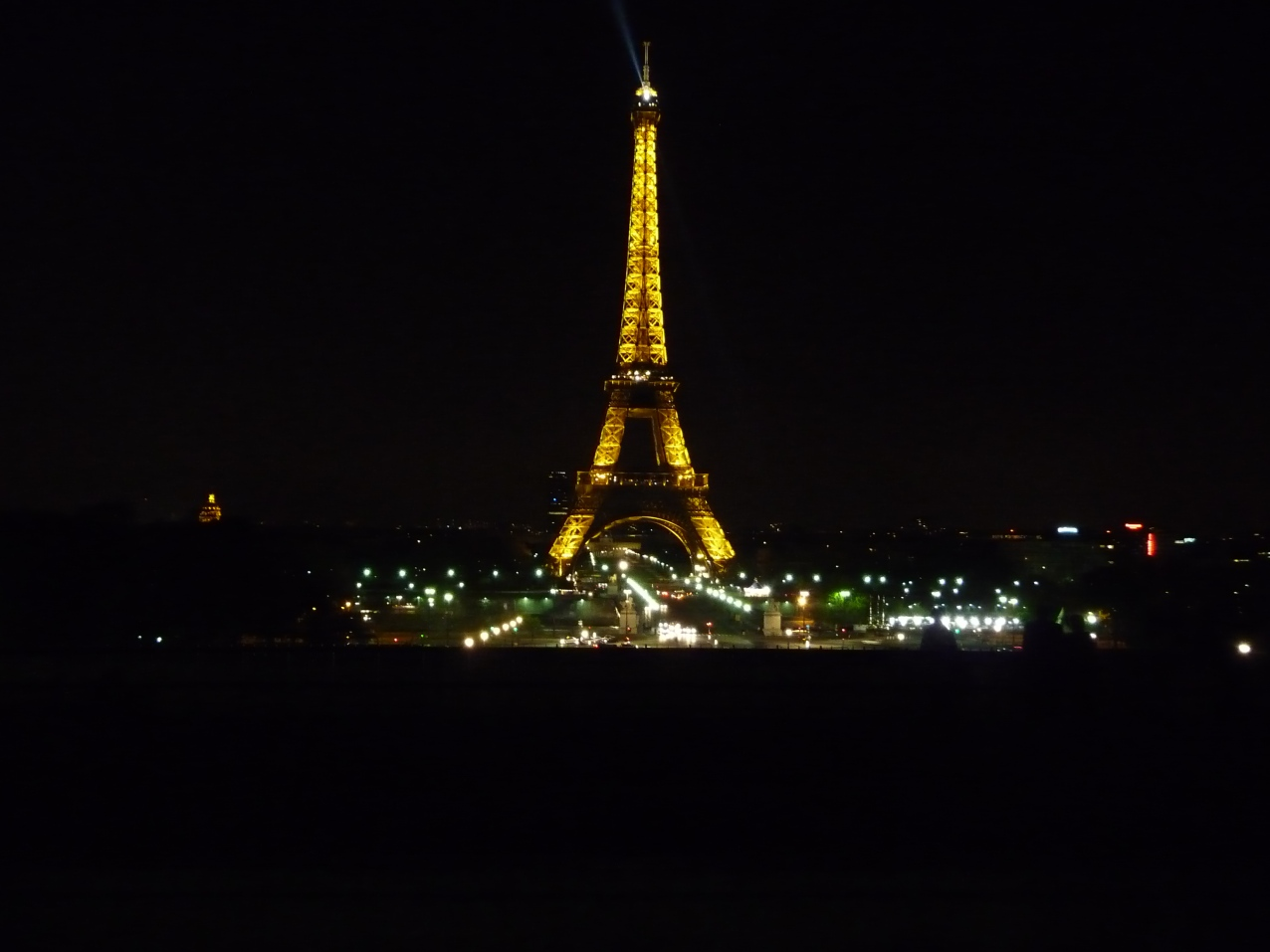 La Tour Eiffel at night