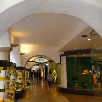 Shopping in the colonnades Bolzano