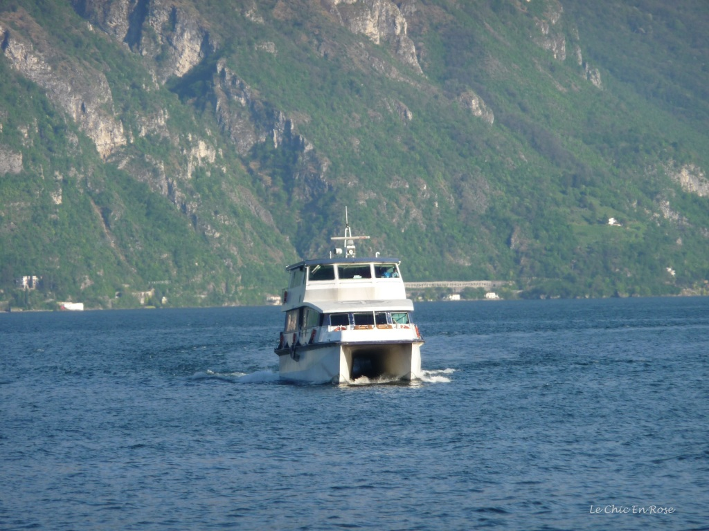 Hydrofoil approaching Menaggio Harbour to take us back to Como City