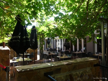The plane trees give excellent shade