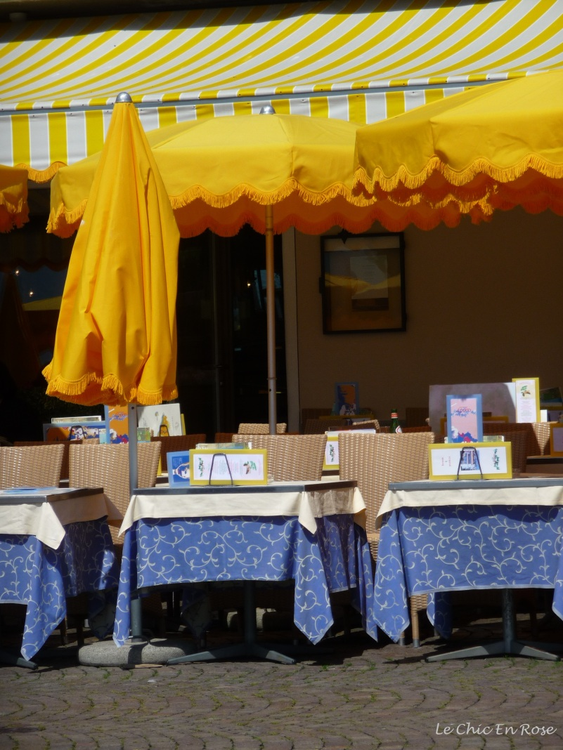 The vibrant Mediterranean colours drew us in - beautiful blues and yellows