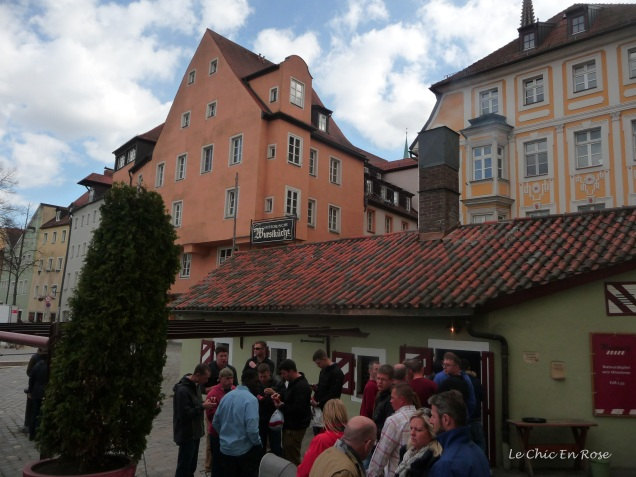 The outside area of the Wurstkuchl