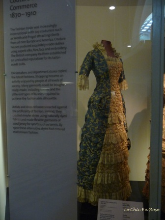 Another beautiful dress from the V&A collections