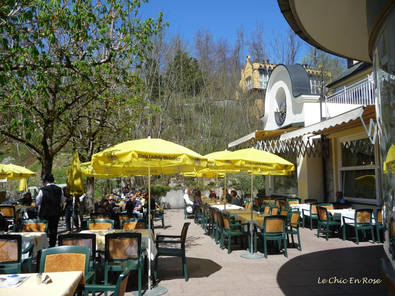 Beer garden and cafe in Hohenschwangau