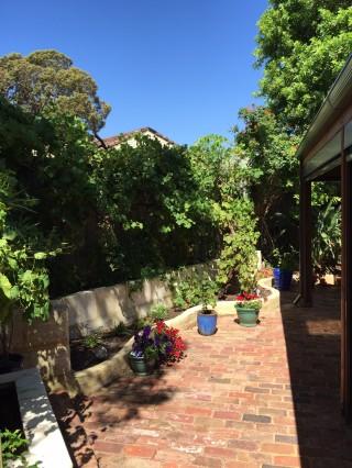 Courtyard Le Chic En Rose