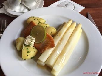 Weiss Spargelzeit (White Asparagus Season)